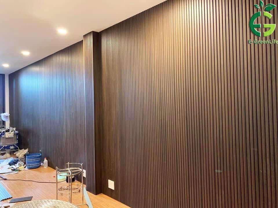 Ứng dụng của tấm nhựa giản gỗ để ốp trang trí tường