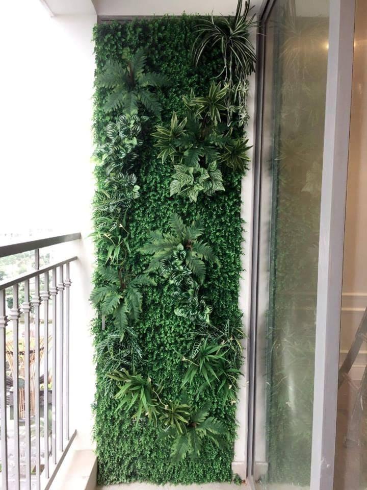 Tường cây giả trang trí ban công chung cư