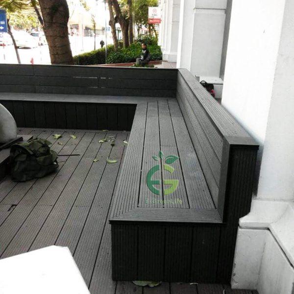 ghế ngoài trời được làm bằng gỗ nhựa composite